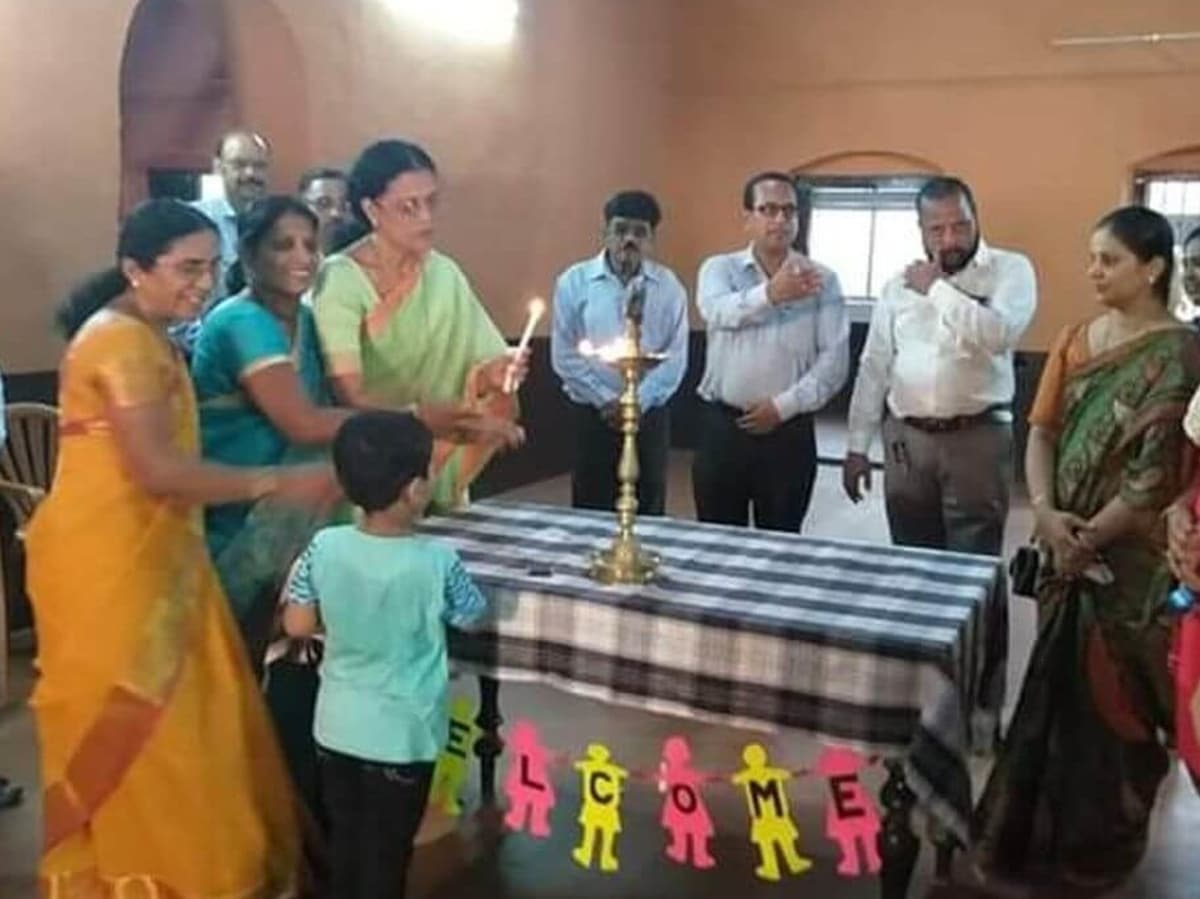 Inauguration of the new block of BEM Moegling English School